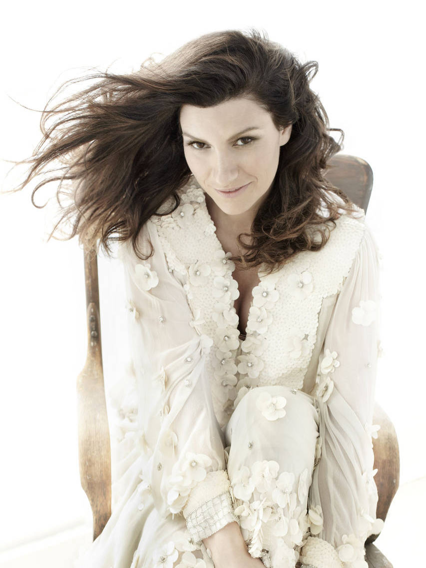 Laura Pausini photo Mark Liddell